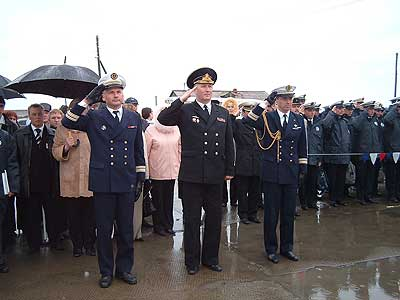 В центре - контр-адмирал Анатолий Липинский
