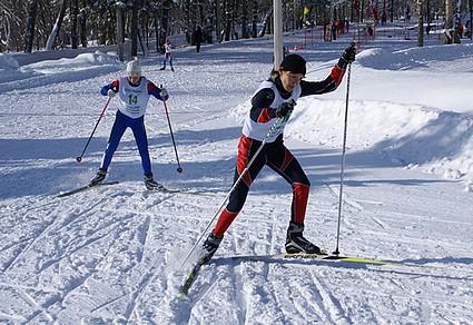 ...воспитал плеяду хорошо известных в то время в нашем крае лыжни ков, подготовил 9 Кандидатов Мастера спорта по...